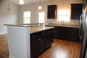island-breakfast-bar-granite-counters