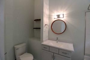 186-causey-rd-bathroom-2